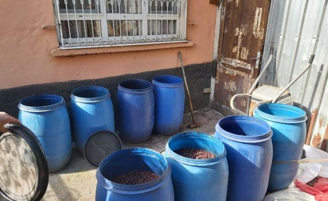 Adana'da bin 460 litre sahte içki ele geçirildi
