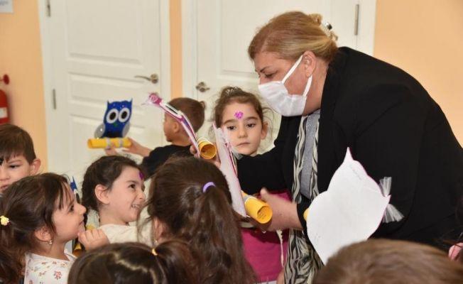 Başkan Erdem, çocukların karne sevincine ortak oldu