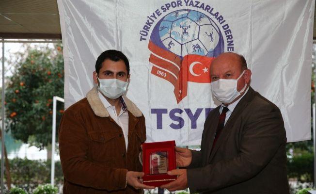 TSYD'den İHA muhabirine ödül