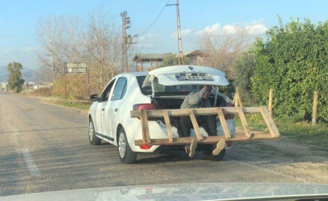 Adana'da trafikte şaşırtan görüntü