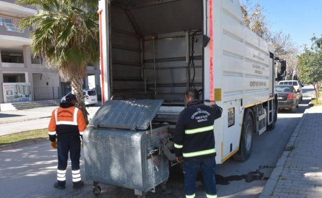 Ceyhan'da çöp konteynerlerine özel temizlik
