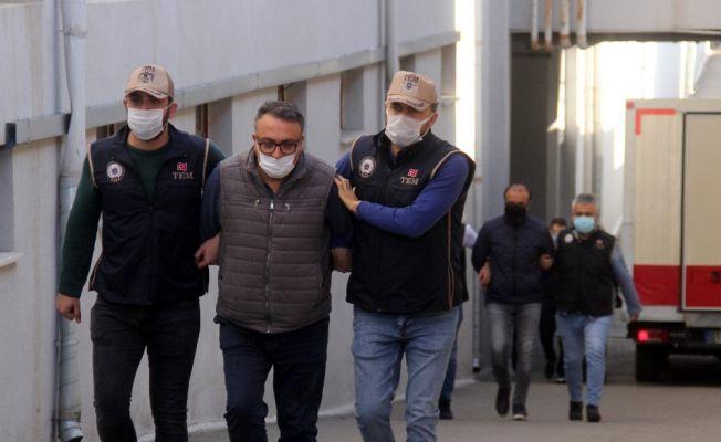 FETÖ operasyonunda yakalanan 5 zanlı adliyede
