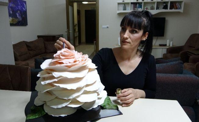 Kadının azmi, ailesini maddi çıkmazdan pastayla kurtardı