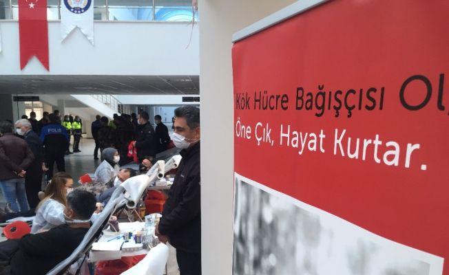 PKK öldürür, Türk polisi hayat kurtarır