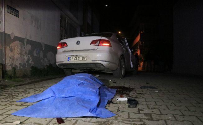 Adana'da otomobil ile motosiklet çarpıştı: 1 ölü, 1 yaralı