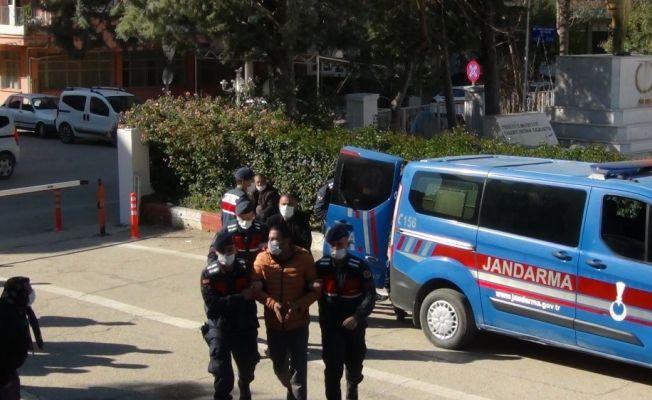 Adana'da silah kaçakçılığı ve nitelikli dolandırıcılık operasyonu; 4 tutuklama