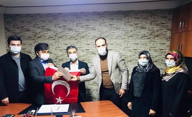 AK Parti Kozan'da şehit ailelerini yalnız bırakmadı