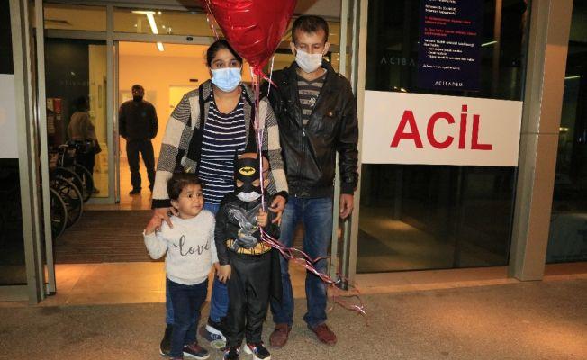 Bağışçı nakilden vazgeçti küçük Yiğit Ali kardeşinin iliğiyle hayata tutundu