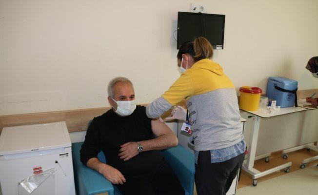 Başkan Özgan ikinci doz aşısını yaptırdı