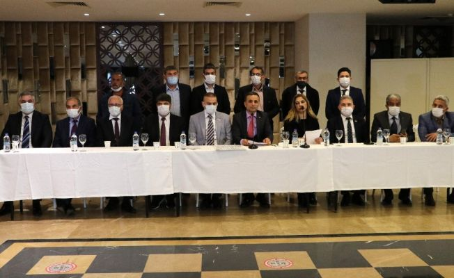 İYİ Parti Adana'da 17 kişi istifa etti