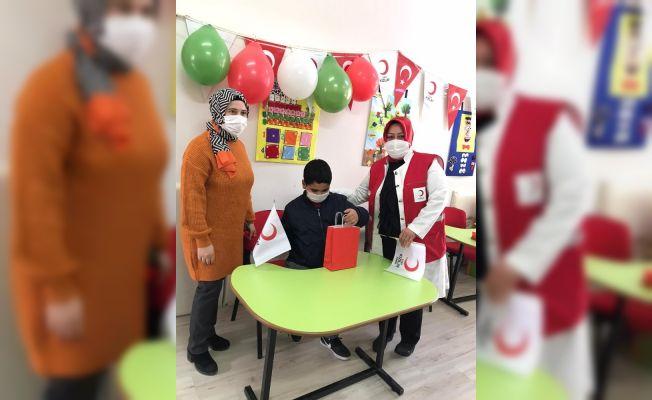 Kızılay'dan köy okullarına destek