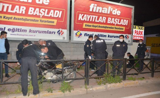 Kucaklarında televizyon, çalıntı motosikletle kaçan 2 şüpheli yakalandı