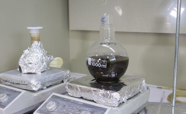 Adana'da 3 ay koruyucu özellikte 'Nano gümüş' dezenfektan üretiliyor
