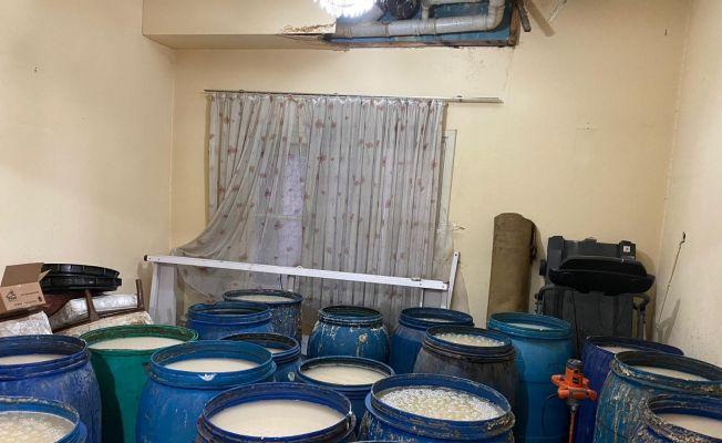 Adana'da 8 bin 200 litre sahte içki ele geçirildi