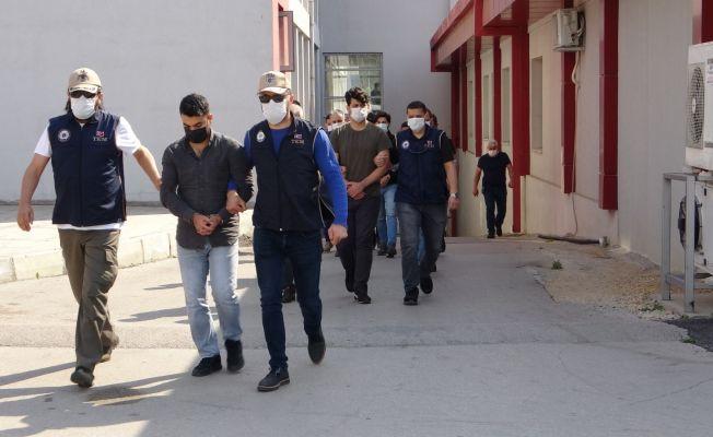 FETÖ operasyonunda gözaltına alınan 8 zanlıdan 3'ü tutuklandı