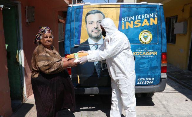 İftar öncesi ihtiyaç sahiplerine sıcak yemek ve gıda yardımı