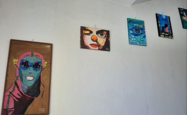 Köy okul duvarları sanatla renklendi