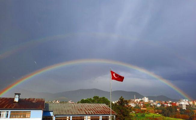 Kozan'da çifte gökkuşağı ile görsel şölen