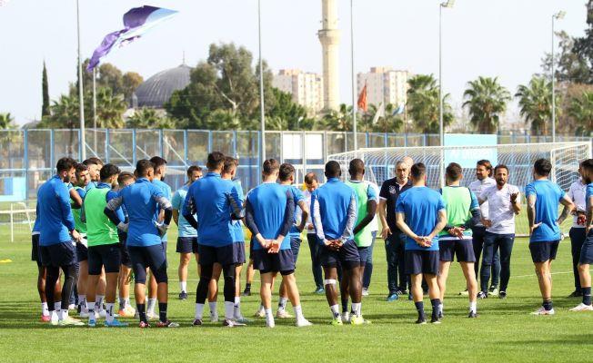 """Samet Aybaba: """"Maç seçme lüksümüz yok"""""""