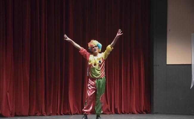 Pandemi kurbanı tiyatroculara nakdi destek