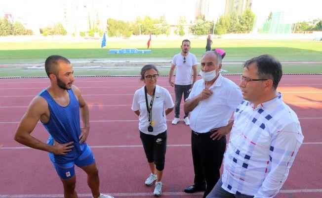 Adanalı Atlet Kayhan Özer Elmas Lig'de