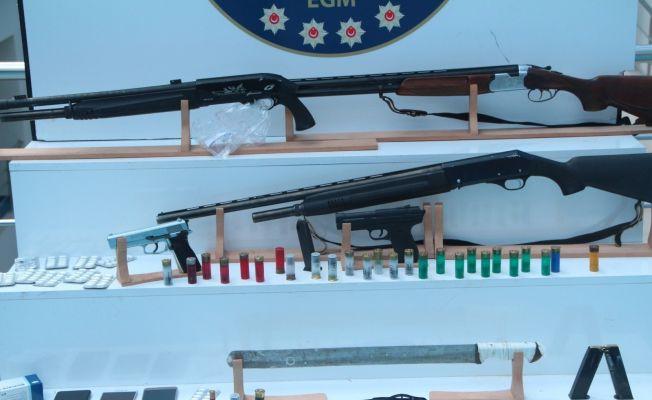 Silahlı 'Aşk Çetesi'ne  yıldırım operasyon