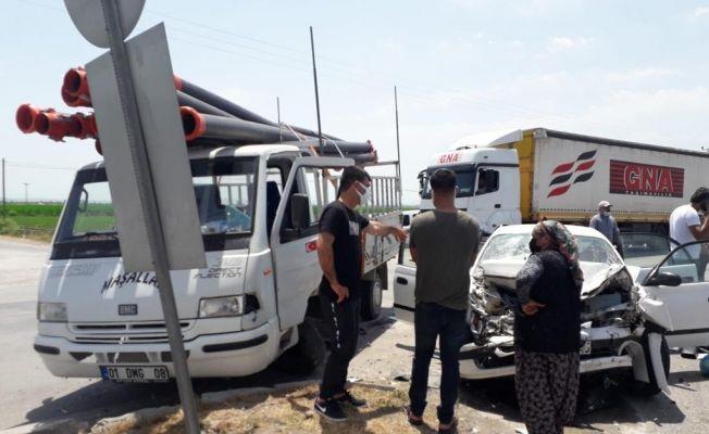 Ceyhan'da trafik kazası: 1 ölü, 3 yaralı