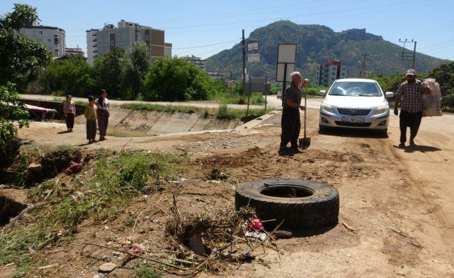 Kozan'da selin yaraları sarılıyor