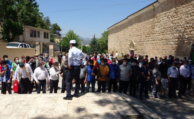 Tarihi camide Kudüs şehitleri için gıyabi cenaze namazı kılındı