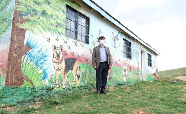Tufanbeyli'de sokak hayvanlarına barınak ve kısırlaştırma merkezi