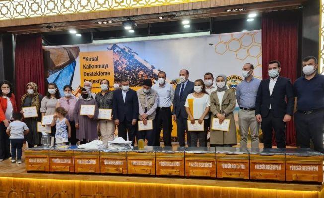 Adana'da 36 kursiyere arıcılık sertifikası