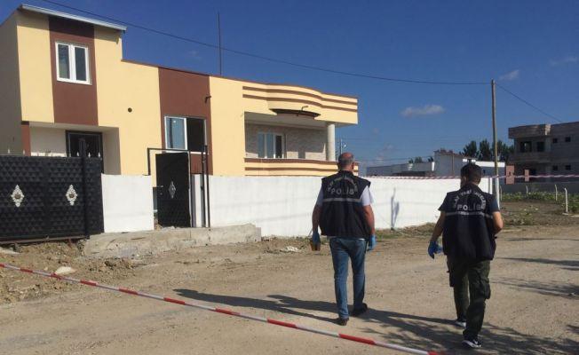 Ev basıp 2'si kadın 4 kişiyi yaraladılar