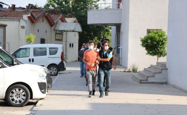 Adana'da firari 33 kişi yakalandı