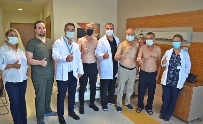 Adana'da göğüs yarılmadan kalp ameliyatı