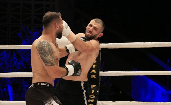 Adana'da Muay Thai gecesi