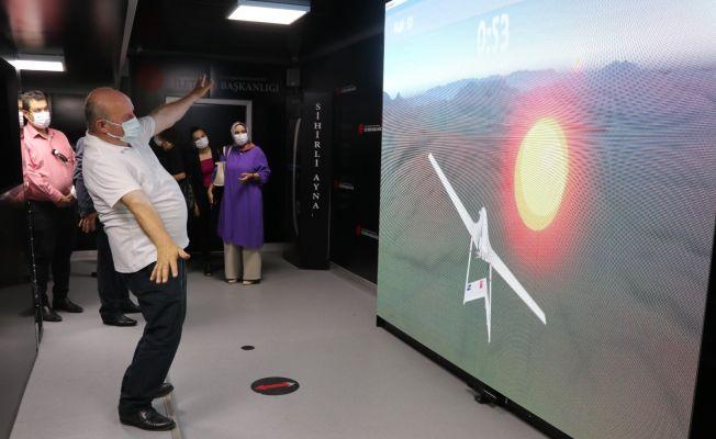 Cumhurbaşkanlığı İletişim Başkanlığı Dijital Tırı Adana'da ziyarete açıldı