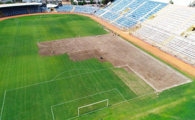 (Özel haber) Tarihi 5 Ocak Stadı'nın çimleri sökülüyor