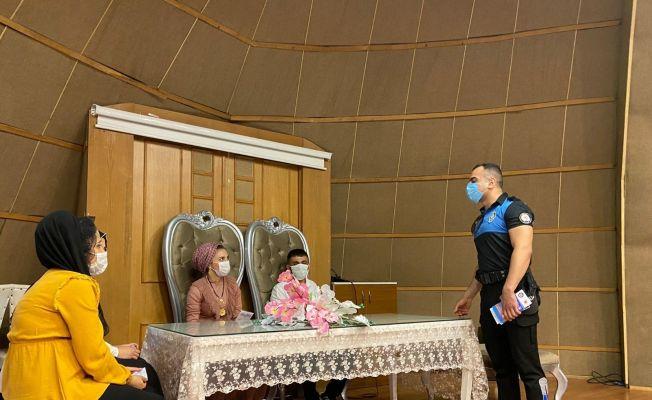 Polisten nikahta korona virüs uyarısı