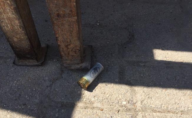 Silah sesi duydu balkona çıktı yaralandı
