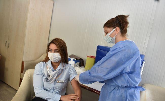 Yüreğir Belediyesi personeline korona virüs aşısı