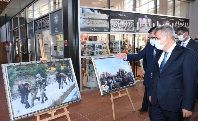 """Adana'da """"15 Temmuz"""" konulu fotoğraf sergisi açıldı"""