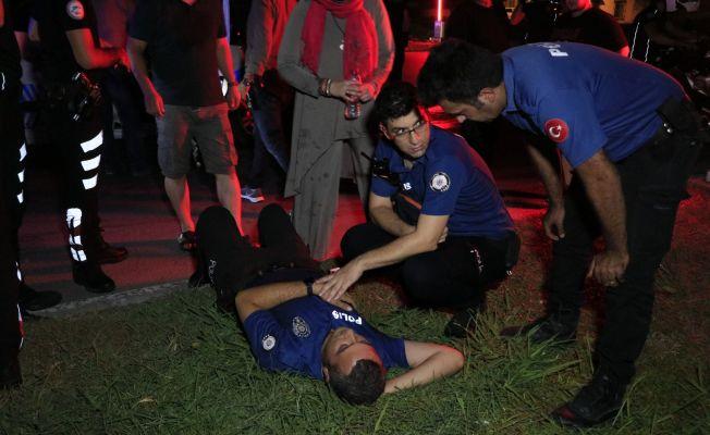 Adana'da polis aracıyla hafif ticari araç çarpıştı: 2'si polis 5 yaralı