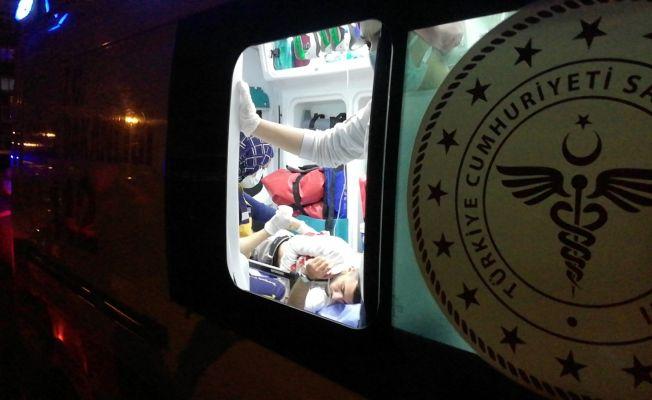 Adana'da silahlı ve bıçaklı kavga: 1'i ağır 4 yaralı