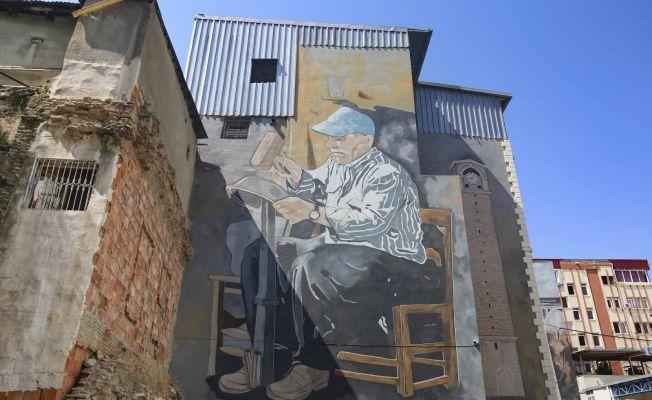 Adana'nın duvarları mural art ile renklendi
