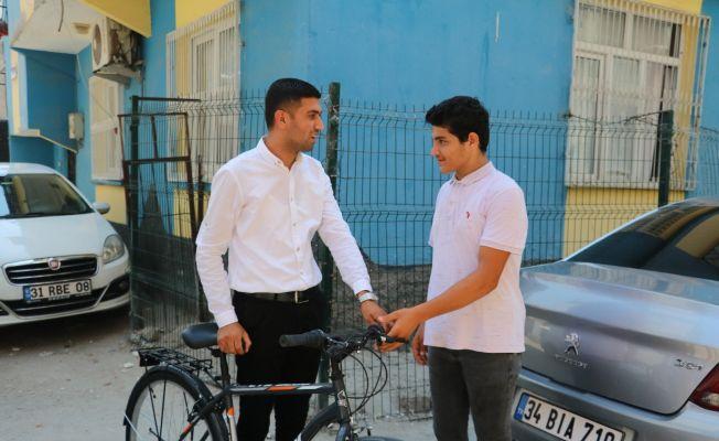 Bisikleti çalınan Sinan'ın gözyaşı dindi