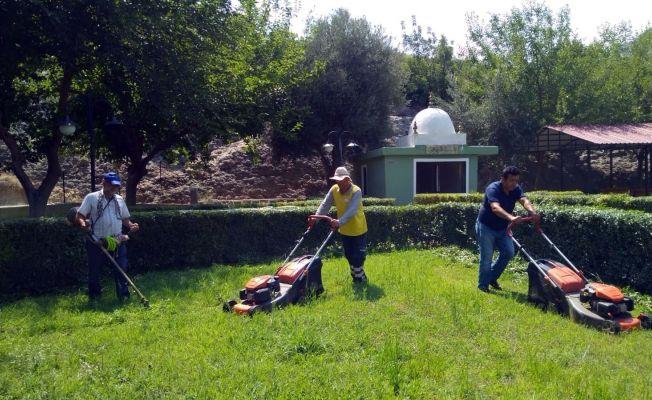 Kozan'da türbelerin bakımı yapıldı