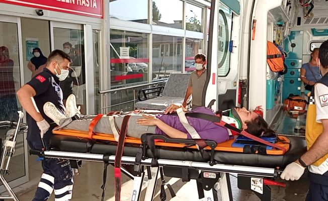Adana'da trafik kazası: 2'si çocuk 6 yaralı