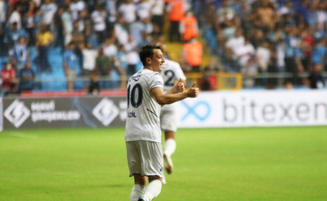 Fenerbahçe'de sezonun ilk golü Mesut Özil'den