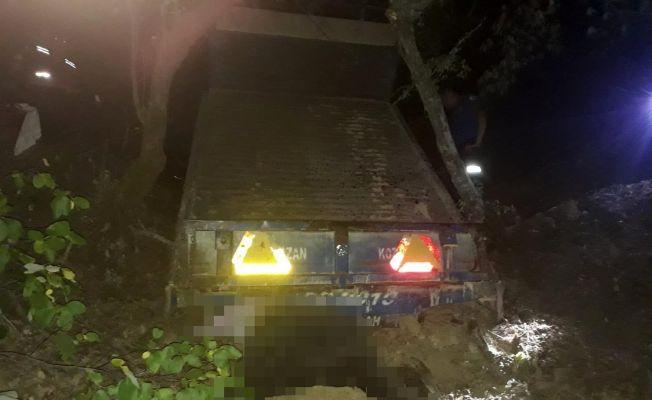 Uçuruma yuvarlanan traktörün sürücüsü hayatını kaybetti
