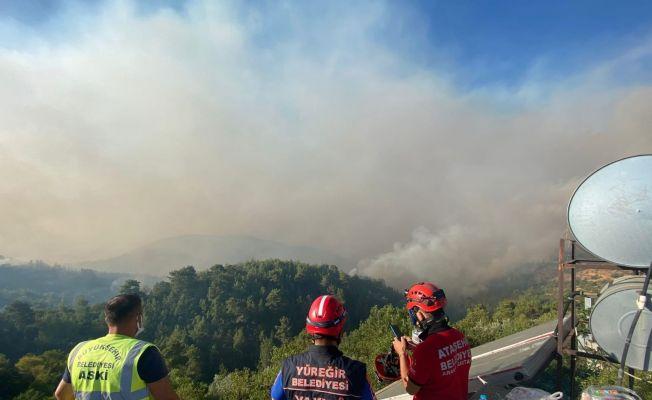Yüreğir Belediyesi Manavgat'a yardıma gitti